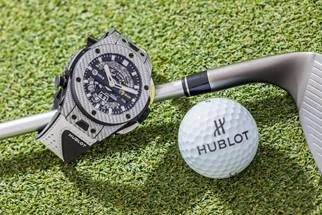World #1, Dustin Johnson, joins Hublot to unveil Big Bang Unico Golf Watch The Big Bang Unico Golf is the first mechanical golf watch with aperture display Hublot's MHUB1580 movement allows golfers to seamlessly calculate their score The Big Bang Unico Golf symbolises Hublot and Johnson's shared vision and style